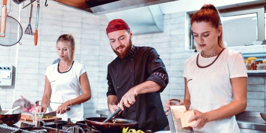Venezolano trabajando de Chef en Malta