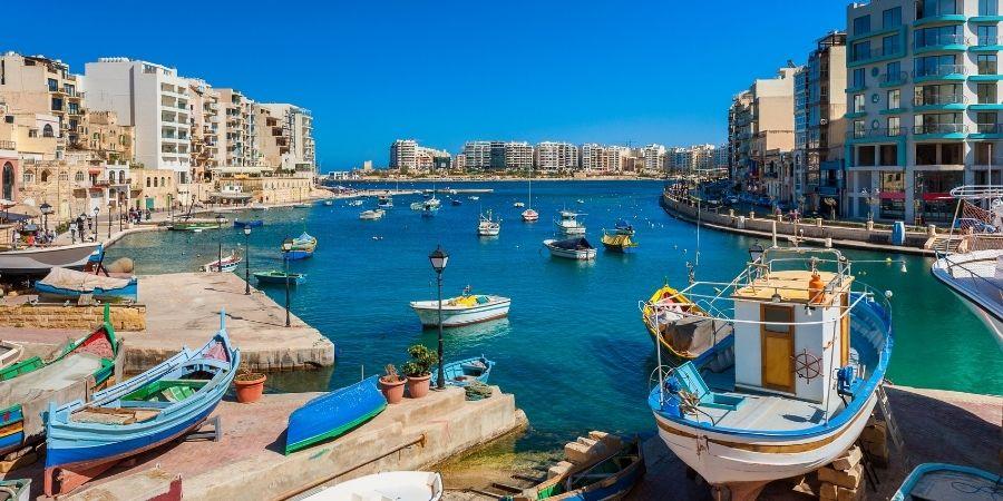 Transporte para llegar las clases de ingles en San Julian Malta
