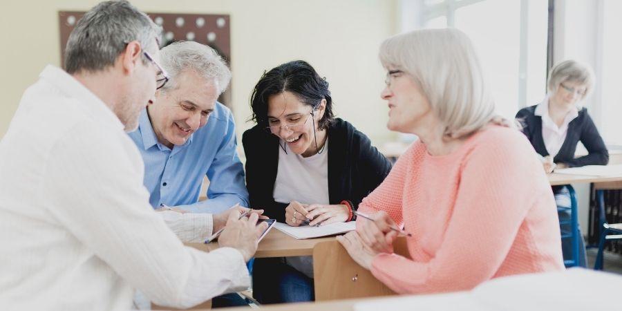 estudiar ingles para adultos mayores de 50 en malta